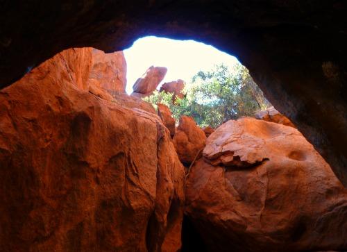 Uluru Cave art by Anangu