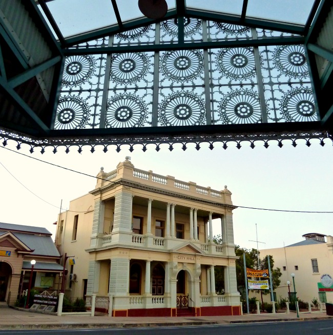 City Hall, Charters Towers