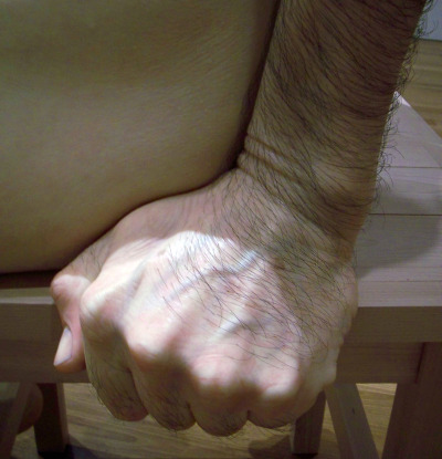 Ron Mueck sculpture hand detail
