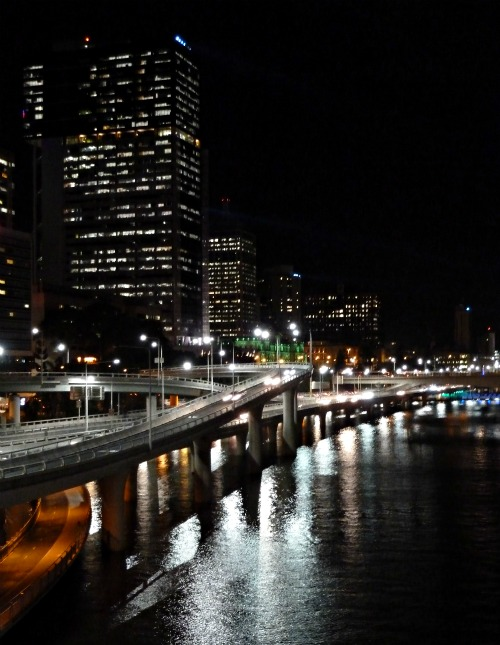 Brisbane Riverside Expressway at night