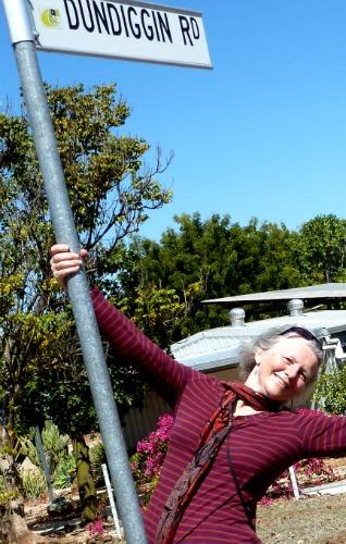 Dundiggin to Pole Dancing